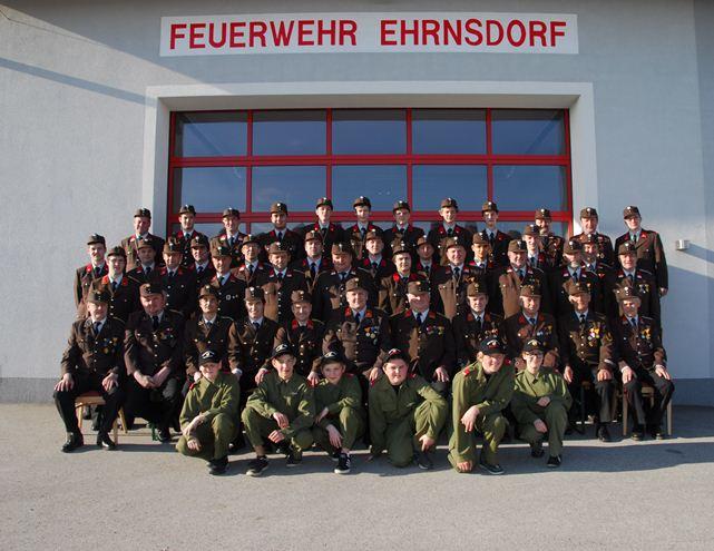 Mannschaftsfoto der FF Ehrnsdorf 2013